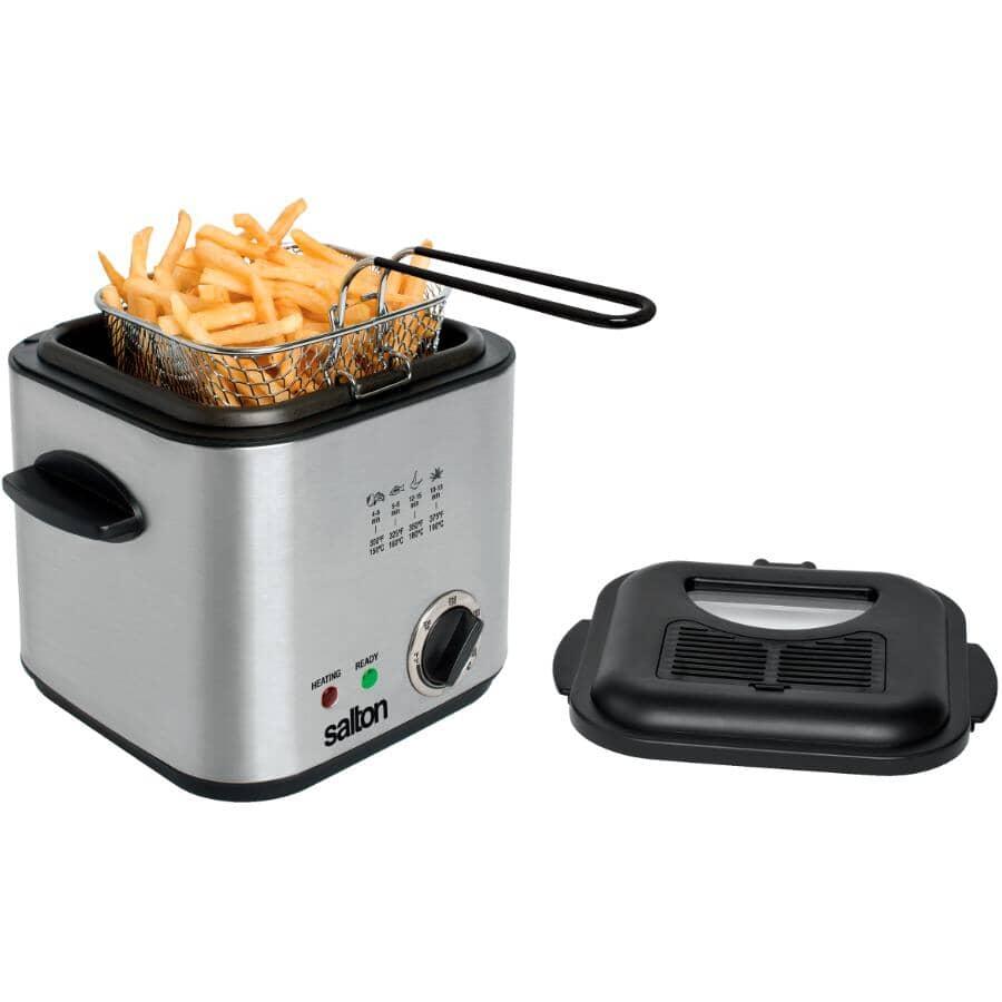 SALTON:840 Watt 1.2L Square Stainless Steel Deep Fryer