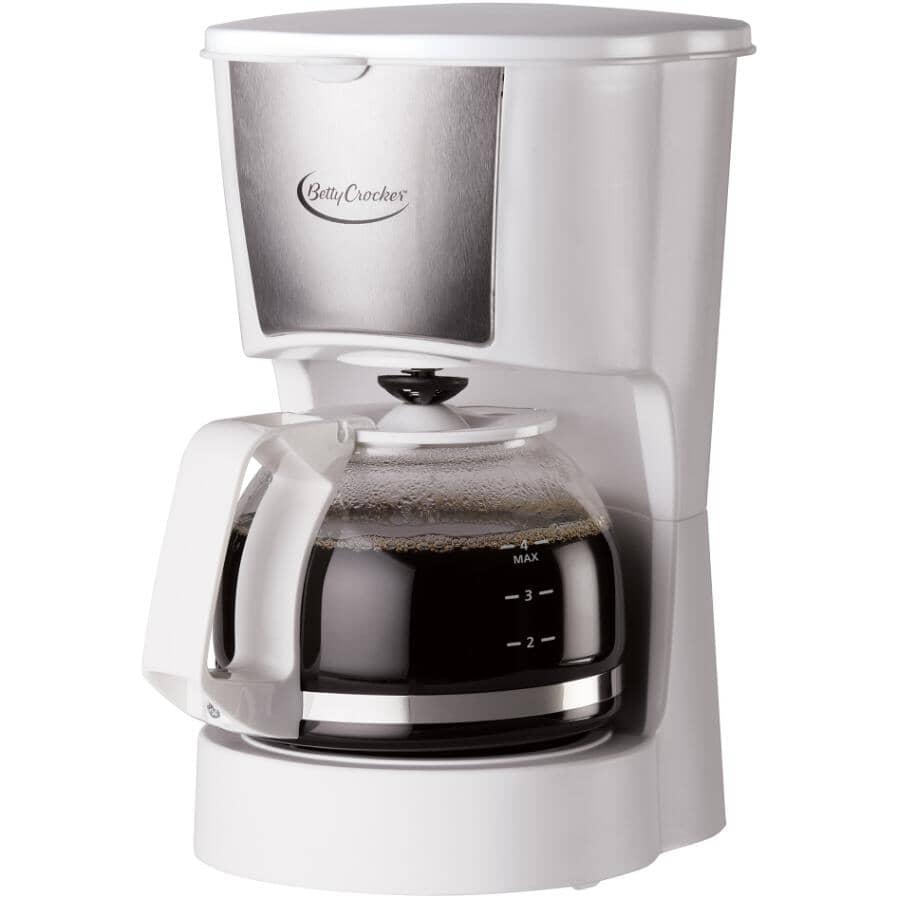 BETTY CROCKER:4 Cup White Permanent Basket Filter Coffee Maker